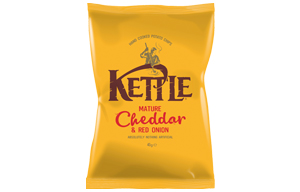 Kettles - Mature Cheddar & Onion - 18x40g